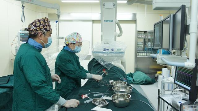 儿童心血管中心成功开展小儿心脏介入封堵手术